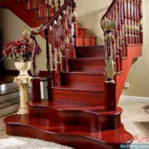 Cầu thang gỗ Giáng Hương