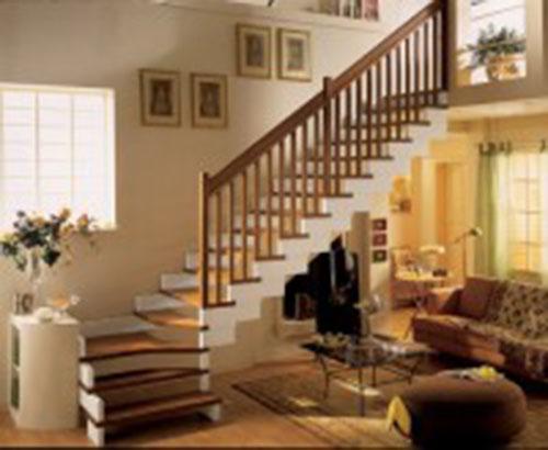 Cầu thang gỗ Xoan đào