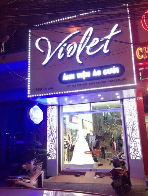 Bảng hiệu cửa hàng áo cưới Violet