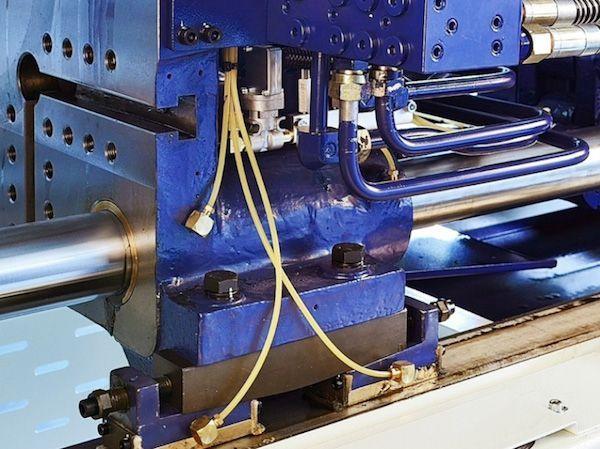 Máy ép nhựa - giải pháp điện