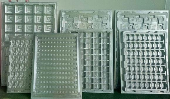 Khuôn hút định hình khay nhựa