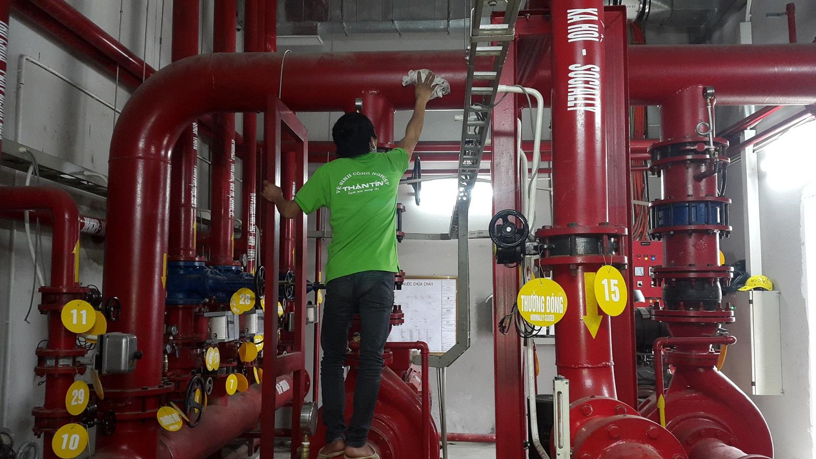 DV vệ sinh công nghiệp