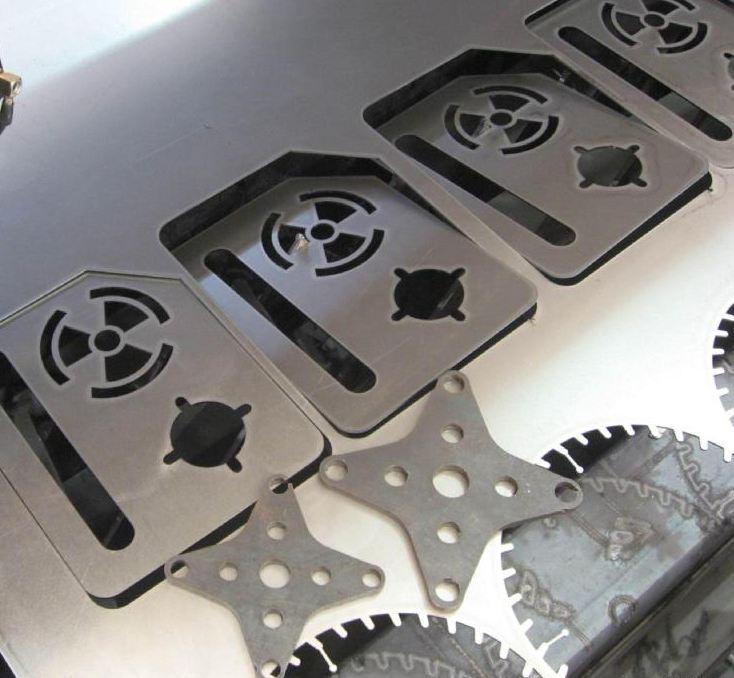 Hàng mẫu cắt khắc