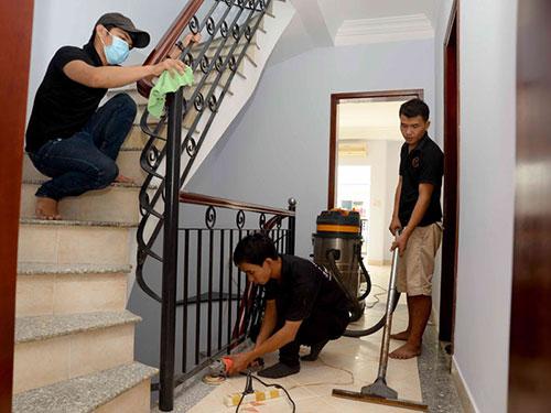 Dịch vụ vệ sinh cầu thang