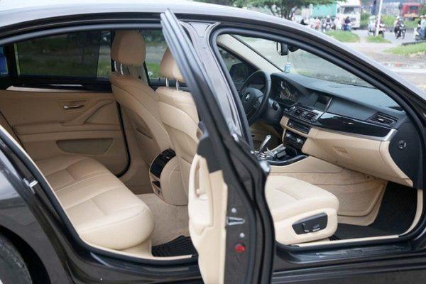 Xe BMW 520i