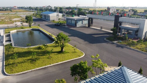 Khuôn viên nhà máy Dệt - May