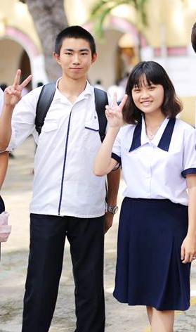May đồng phục học sinh