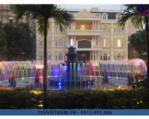 Đài phun nước trường Đại học Quốc gia Hà Nội