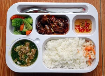 Suất ăn công nghiệp cho trường học