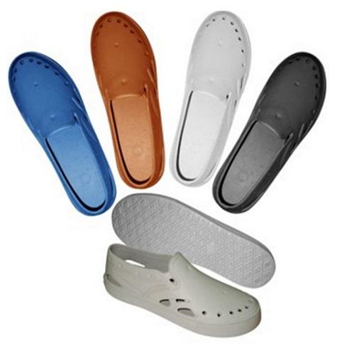 Giày nhựa