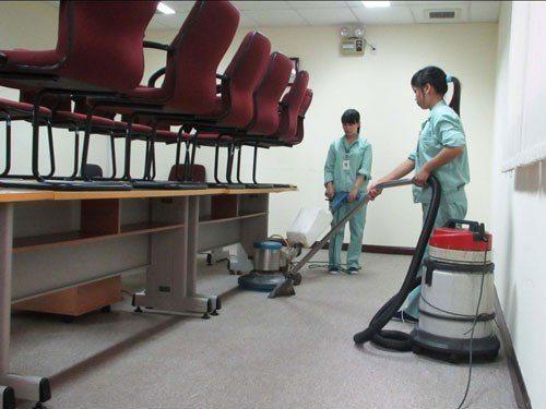 Dịch vụ vệ sinh văn phòng
