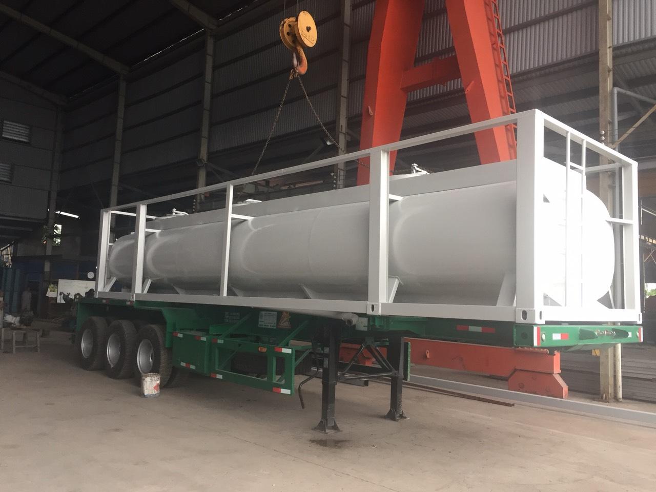 Container tank (chở hóa chất)