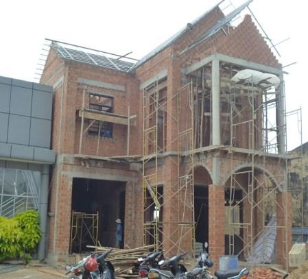 Xây dựng nhà ở
