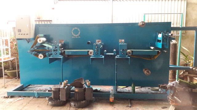 Máy sản xuất tã lót