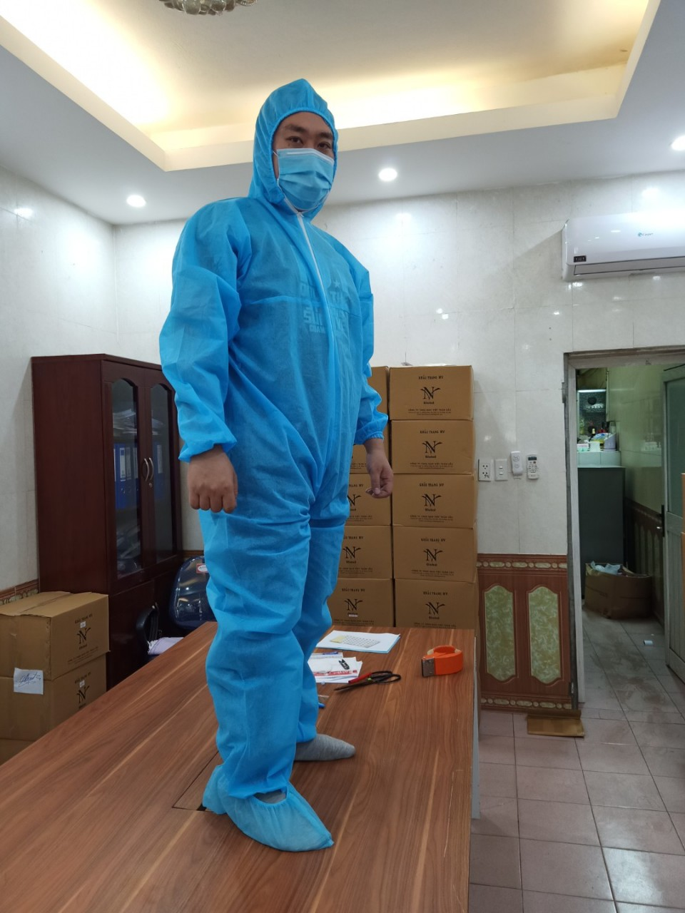 Quần áo kháng khuẩn, phòng dịch