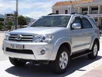 Cho thuê xe du lịch Toyota Fortuner 7 chỗ