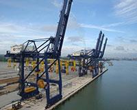 Cổng trục cầu cảng