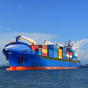 Vận chuyển hàng hóa bằng tàu biển