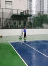 Vệ sinh bề mặt sân tenis