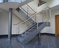 Cầu thang thép