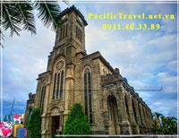 Tour Nha Trang - Vinpearl - nhà thờ đá