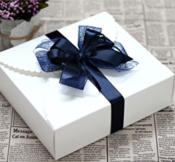 Keo dán hộp quà