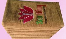 Khăn bông thêu logo