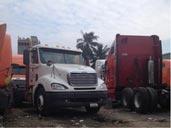 Vận chuyển hàng hóa xe container đầu kéo