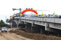 Xây dựng công trình cầu cảng