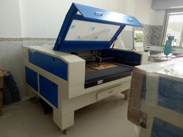 Máy cắt Laser 1390