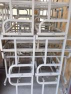 Sơn bàn ghế học sinh