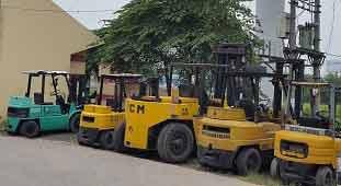 Cho thuê xe nâng tại đường Phạm Hùng - HN