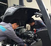 Sửa chữa bảo trì xe nâng hàng