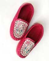 Giày mọi bé gái