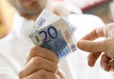 Chuyển phát hàng thu tiền