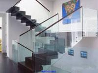 Cầu thang nhôm kính