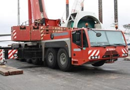 Xe cần cẩu Terex - Demag 250 tấn