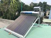 Máy nước nóng năng lượng mặt trời