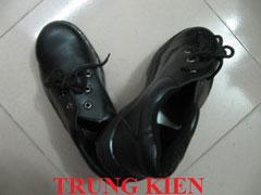 Giày bảo hộ mũi sắt
