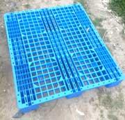 Pallet nhựa xanh 3 chân