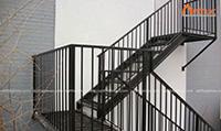 Cầu thang sắt thẳng