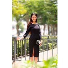 Đầm dài tay phối ren