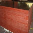 Ván ép xây dựng phủ keo đỏ