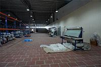 Bên trong nhà máy