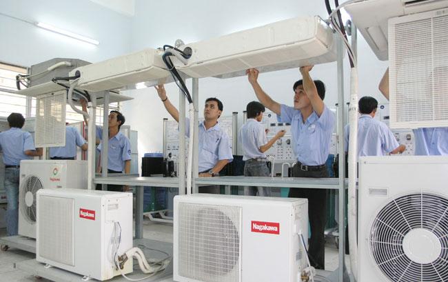 Sửa chữa hệ thống điều hòa không khí