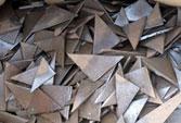 Xử lý kim loại nhựa nhiễm chất nguy hại