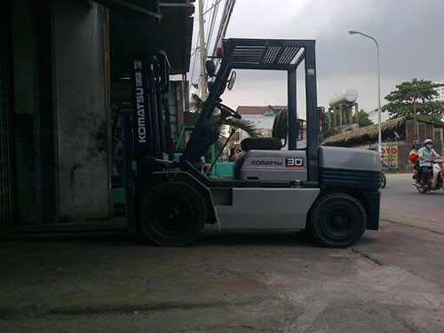 Xe nâng Komatsu 3 tấn