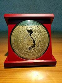 Huy hiệu kỷ niệm đồng