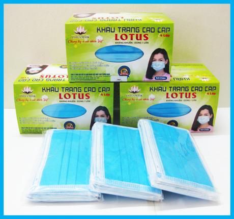 Khẩu trang Lotus xanh 4 lớp dày (50 cái)