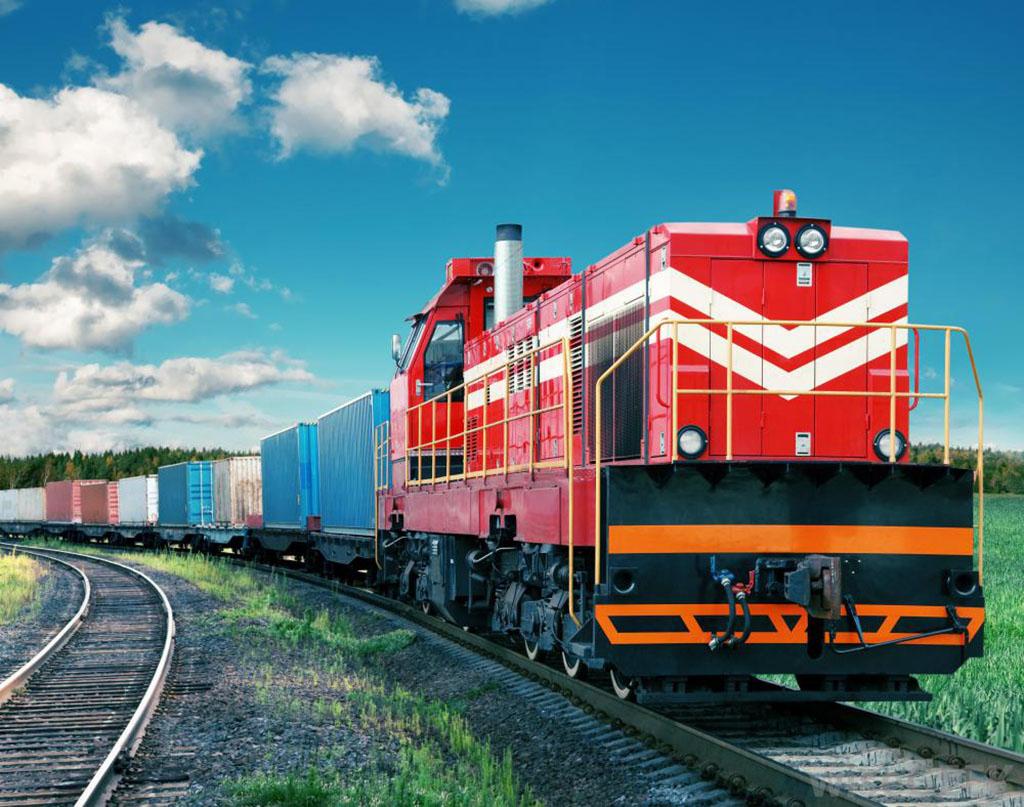 Vẫn chuyển hàng hóa bằng đường sắt